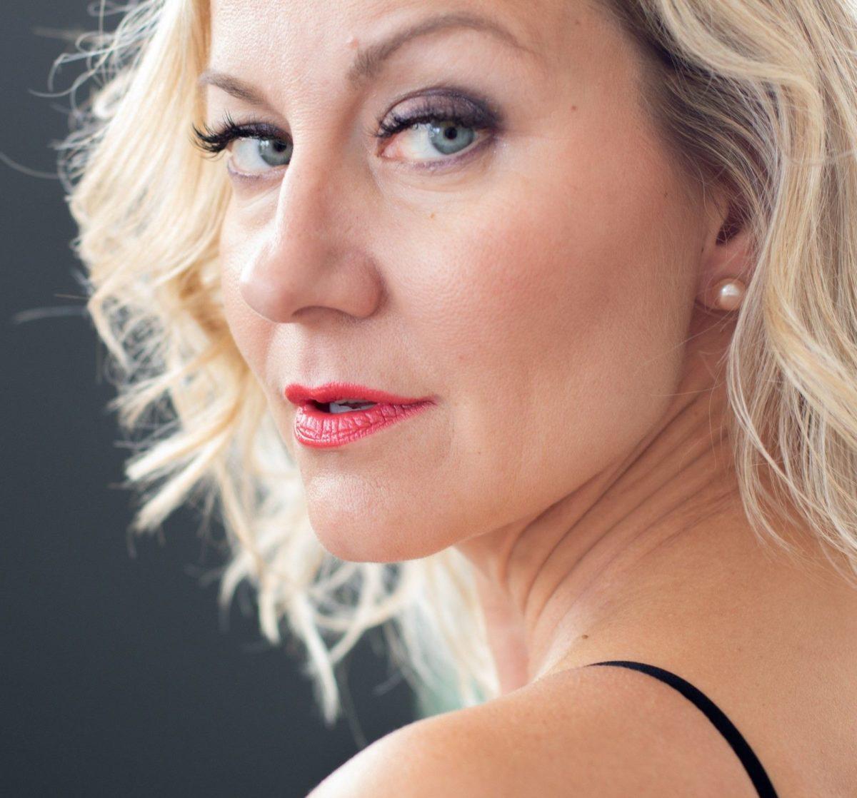 makeup tips for over 40 blue eyes bold lip color