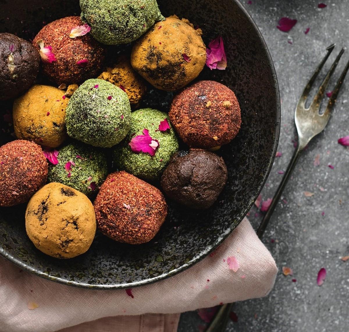 How many energy balls should you eat turmeric matcha cocoa