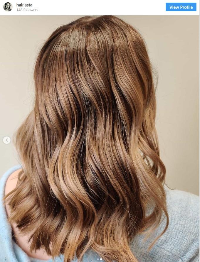 hair highlighting hacks applying lightener on wet hair