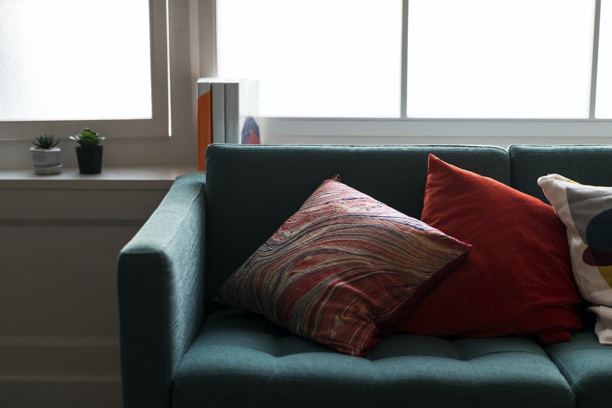 How to clean decorative pillow without washing it - put it in the freezer