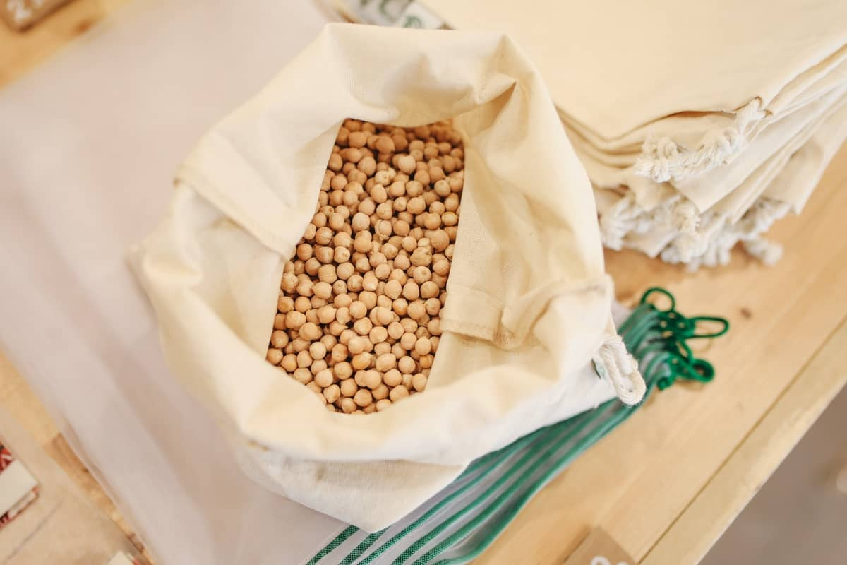making chickpea snacks using dried chickpeas